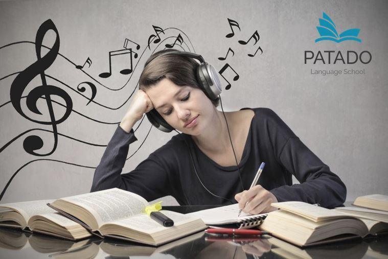 Luyện thi ielts cấp tốc có thể nghe nhạc nhẹ khi học